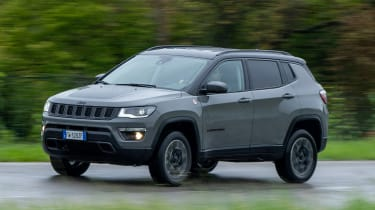 Jeep Compass Trailhawk - front action