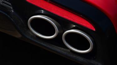 2021 Kia Stinger GT-S 3.3 T-GDi V6 - exhaust