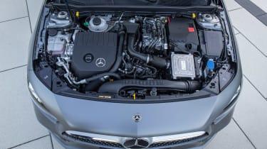 Mercedes A 250 e - engine