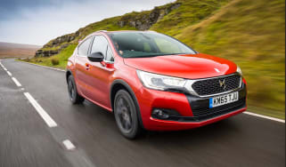 DS 4 Crossback 2016 - front tracking
