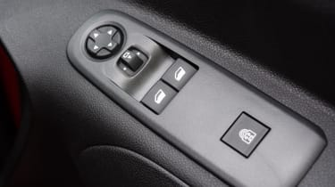 Vauxhall Combo Life - buttons