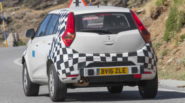 MG ZS spied - rear