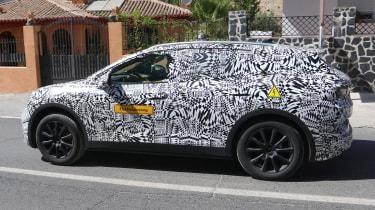 Volkswagen ID.4 SUV - spied - side tracking