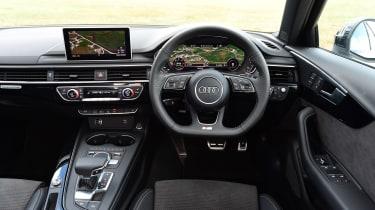 Audi A4 Avant - dash