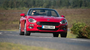 Fiat 124 Spider - full front