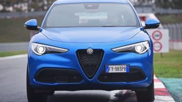 Alfa Romeo Stelvio - front static