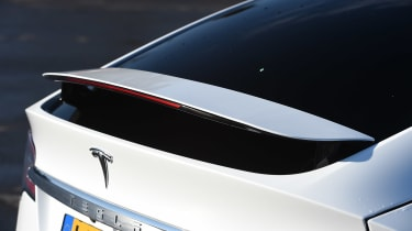 Tesla Model X - rear wing