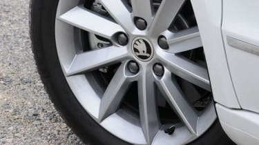 Skoda Superb Estate 1.6 TDI GreenLine wheel