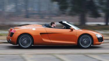 Audi R8 Spyder profile