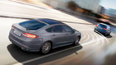 Ford Mondeo - driving assistance