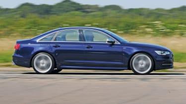 Audi S6 panning