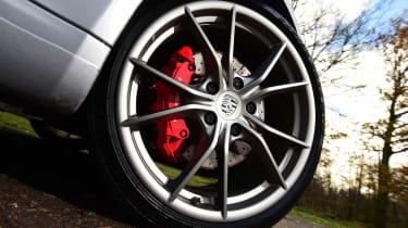 Porsche 911 Carrera 2015 wheel detail