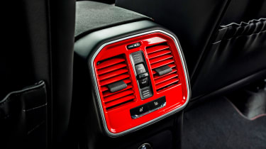 Porsche Macan GTS - rear vents