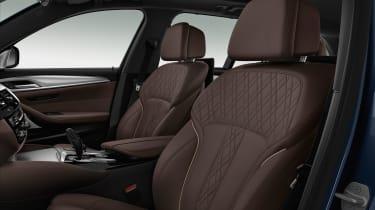BMW M550d xDrive - front seats