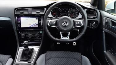 Volkswagen Golf R-Line - dash