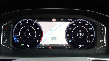 Volkswagen Passat - instrument binnacle