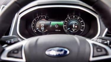 Ford Edge - dials