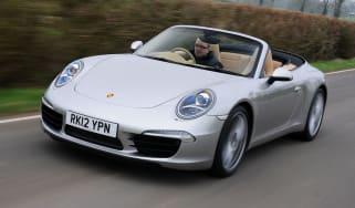 Porsche 911 Cabriolet front tracking