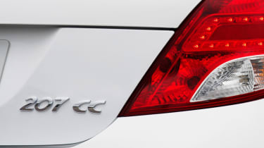 Peugeot 207CC convertible badge