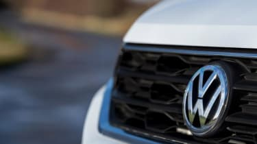 Volkswagen T-Roc - VW badge