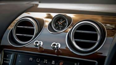 Bentley Bentayga Diesel - Ice white 2017 dashboard