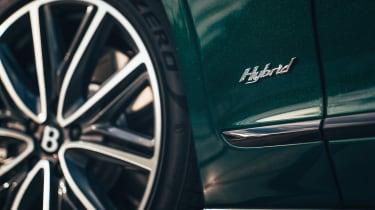 Bentley Flying Spur Hybrid - badge