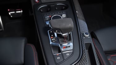 Audi RS 4 - centre console