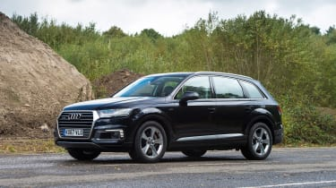 Audi Q7 e-tron - front static