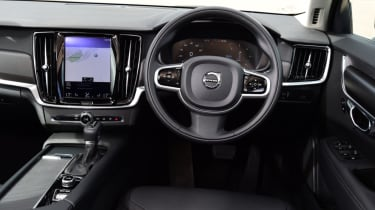 Volvo V90 Cross Country - cockpit