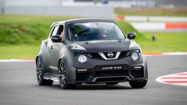 Nissan Juke-R 2.0 - front cornering