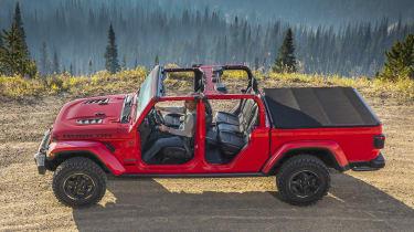 Jeep Gladiator side profile static