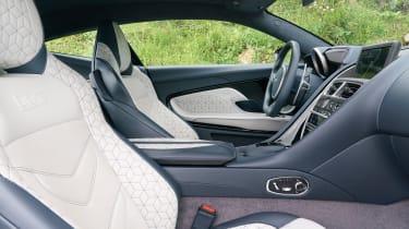 Aston Martin DBS Superleggera - cabin