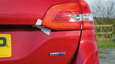 Peugeot 308 SW - loose light cluster