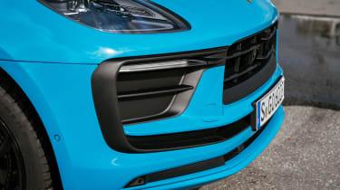 Porsche Macan 2.0 - front
