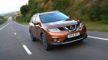 Nissan X-Trail front tracking