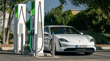 Porsche Taycan 4S - charging