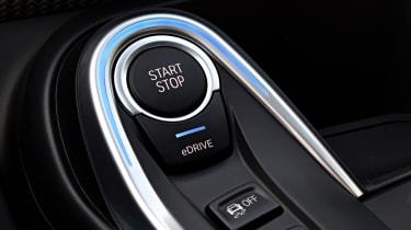 BMW i8 Roadster - start-stop