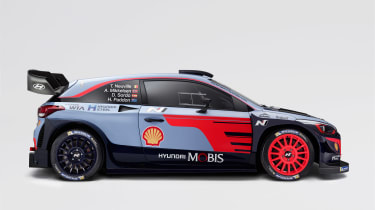 Hyundai i20 WRC - side