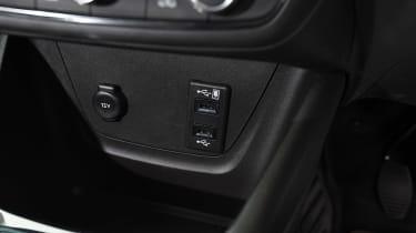 Vauxhall Crossland X - USB