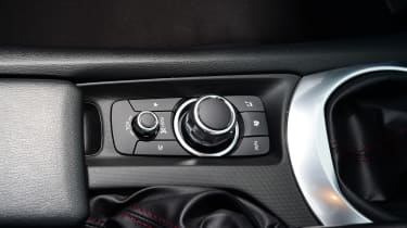 Long-term test review Mazda MX-5 - centre console