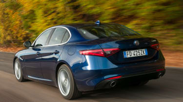 Alfa Romeo Giulia - rear tracking