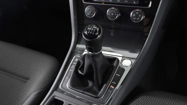 Volkswagen Golf - transmission