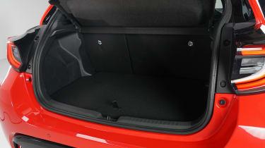 Toyota Yaris - boot studio