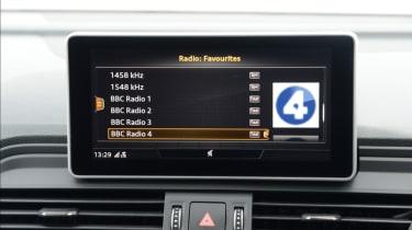 Audi SQ5 - radio infotainment