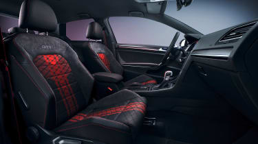 Volkswagen Golf GTI TCR - front seats
