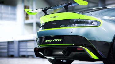 Aston Martin Vantage GT8 - rear detail