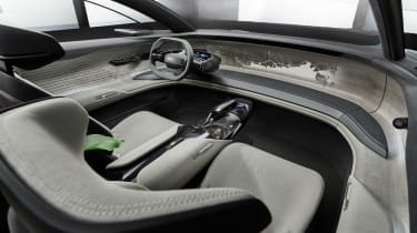Audi Grandsphere concept - dash