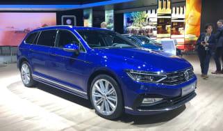 VW Passat R-Line front