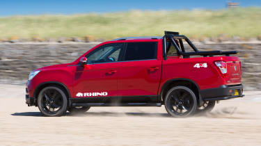 SsangYong Musso Rhino - rear action