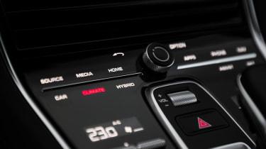 Porsche Panamera Turbo S E-Hybrid Sport Turismo - controls